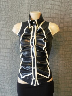 Mouwloze Latex Blouse WTH02 1