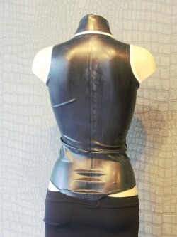 Mouwloze Latex Blouse WTH02 2
