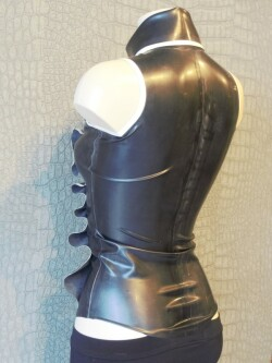 Mouwloze Latex Blouse WTH02 3